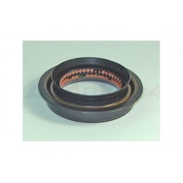 Transfer Box Input Shaft Oil Seal - Range Rover Mk2 P38A 4.0 4.6 V8 & 2.5 Td Models 1994-2002 - supplied by p38spares v8, td,