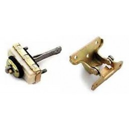 Right Hand Door Hinge Assembly - Land Rover Discovery 2 4.0 L V8 & Td5 Models 1998-2004 www.p38spares.com assembly, v8, 2, rover