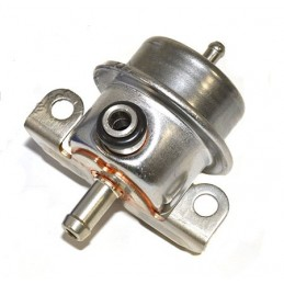 Range Rover P38 MKII V8 Petrol Fuel Pressure Regulator 1995-2002 - supplied by p38spares